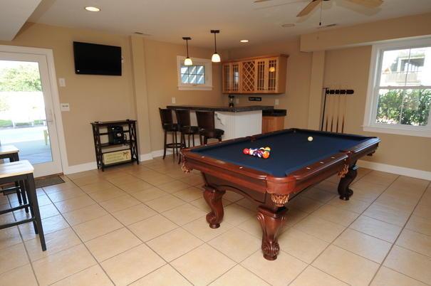 IE Pool Table